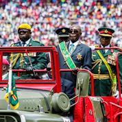 Zimbabwe : la chute de Mugabe, héros de l'indépendance devenu vieux despote