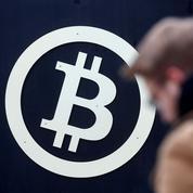 Le bitcoin franchit le cap symbolique des 10.000 dollars