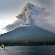 Bali : alerte renforcée autour du volcan Agung