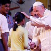 Le Pape clôt la polémique en nommant les «Rohingyas»