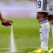 L'inventeur du spray «à coup-franc» réclame 84 millions d'euros à la Fifa