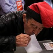 À Barcelone, forte affluence pour une journée de vote décisive