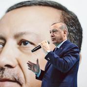 À Paris, Erdogan tend une main vers l'UE