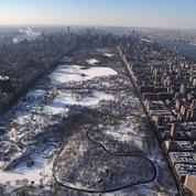 États-Unis : la tempête de neige a provoqué au moins 17 morts
