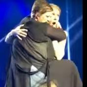 Céline Dion : en plein concert à Las Vegas, une fan tente de grimper sur elle
