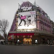 Coup d'envoi des soldes dans les grands magasins parisiens
