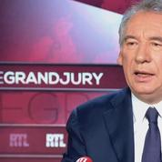 Bayrou défend Macron face aux critiques de la droite