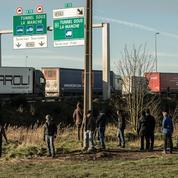 Migrants : l'Élysée fait pression pour renégocier avec Londres les accords sur la frontière