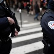 Rixe mortelle à Paris: quatre adolescents de 15 ans mis en examen et écroués