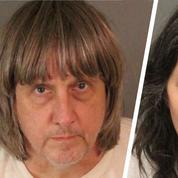 Deux Californiens inculpés d'actes de torture sur leurs treize enfants de 2 à 29 ans