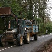 Le nettoyage de la «route des chicanes», symbole du retour espéré de l'ordre public à Notre-Dame-des-Landes