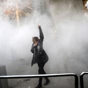 Port du voile: le pouvoir iranien minimise la protestation des femmes