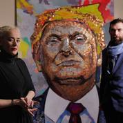 Pour leur portrait de Trump, ces artistes ukrainiens optent pour de la petite monnaie