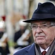 Jean-Pierre Chevènement, l'invité encombrant de Macron en Corse