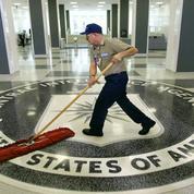 Un escroc russe serait parvenu à extorquer 100.000 dollars en cash à la CIA