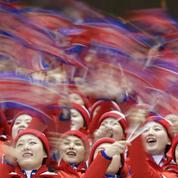 JO 2018 : Le show improbable des supportrices officielles nord-coréennes en tribune
