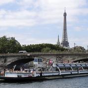 Paris: les bateaux-mouches reprennent leur activité