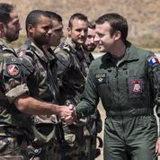 Emmanuel Macron à la rencontre de l'armée de terre