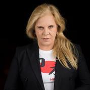 Sylvie Vartan: le testament de Johnny «a été dicté par des gens de son entourage»