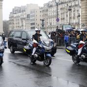 Arnaud Beltrame : à Paris, tristesse et fierté parmi les anonymes qui ont salué le cortège funèbre