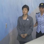 Corée du Sud : l'ex-présidente condamnée à 24 ans de prison pour corruption