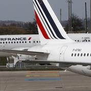 Grève Air France : un quart des vols annulés mardi