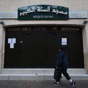 Macron annonce une clarification du financement des mosquées