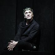 Hamlet ,un prince un peu trop quotidien au Théâtre 14