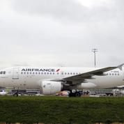 Grève à Air France : un quart des vols annulés ce lundi