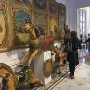 Marcel Campion présente sa collection d'arts forains chez Cornette de Saint-Cyr