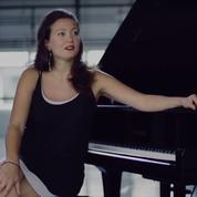 Enceinte de quatre mois, la soprano Julie Fuchs privée d'opéra à Hambourg