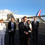 Emmanuel Macron débarque dans une Nouvelle-Calédonie en ébullition