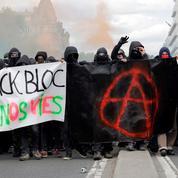 Bloc[blok] n. m. Casse-tête pour la police