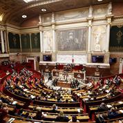 Révision constitutionnelle: Macron tente le passage en force