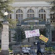 Universités: en recul, la mobilisation se radicalise