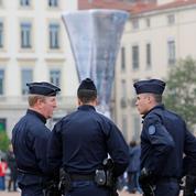 Dans les quartiers sensibles de Marseille, le difficile quotidien des forces de l'ordre