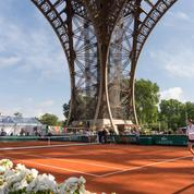 Le tournoi de Roland-Garros s'invite sous la Tour Eiffel