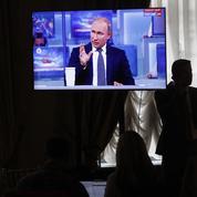 Poutine jette ses ministres en pâture à la télé