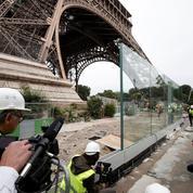 Les visiteurs de la tour Eiffel bientôt mieux protégés