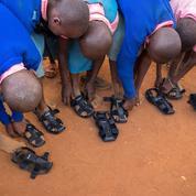 Les chaussures qui s'allongent à mesure que le pied grandit