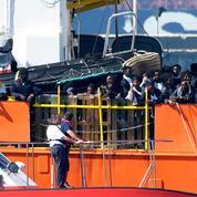 Migrants : l'Aquarius est arrivé dans le port de Valence