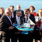 Emmanuel Macron à la conquête des élus bretons