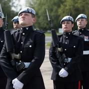 Theresa May redoute un déclassement de la défense du Royaume-Uni