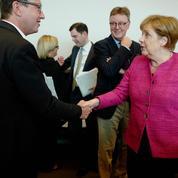 Merkel se démène pour sauver son gouvernement, qui tangue sérieusement