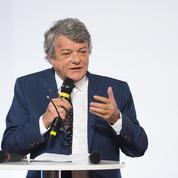 Borloo reproche à Macron sa «vision inefficace et dangereuse» de la société