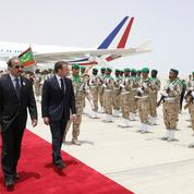 La visite très sécuritaire de Macron en Afrique