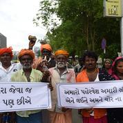 Lynchages après de fausses rumeurs : l'Inde somme WhatsApp d'agir