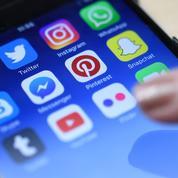 Les réseaux sociaux renforcent leur lutte contre les «fake news»