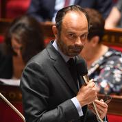 Fonctionnaires: pour Philippe, supprimer des postes «semble évident»