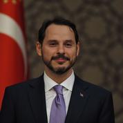 Erdogan nomme ses proches aux postes clés